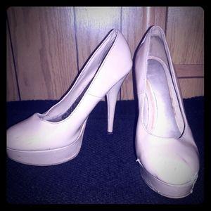 Nude heels size 8
